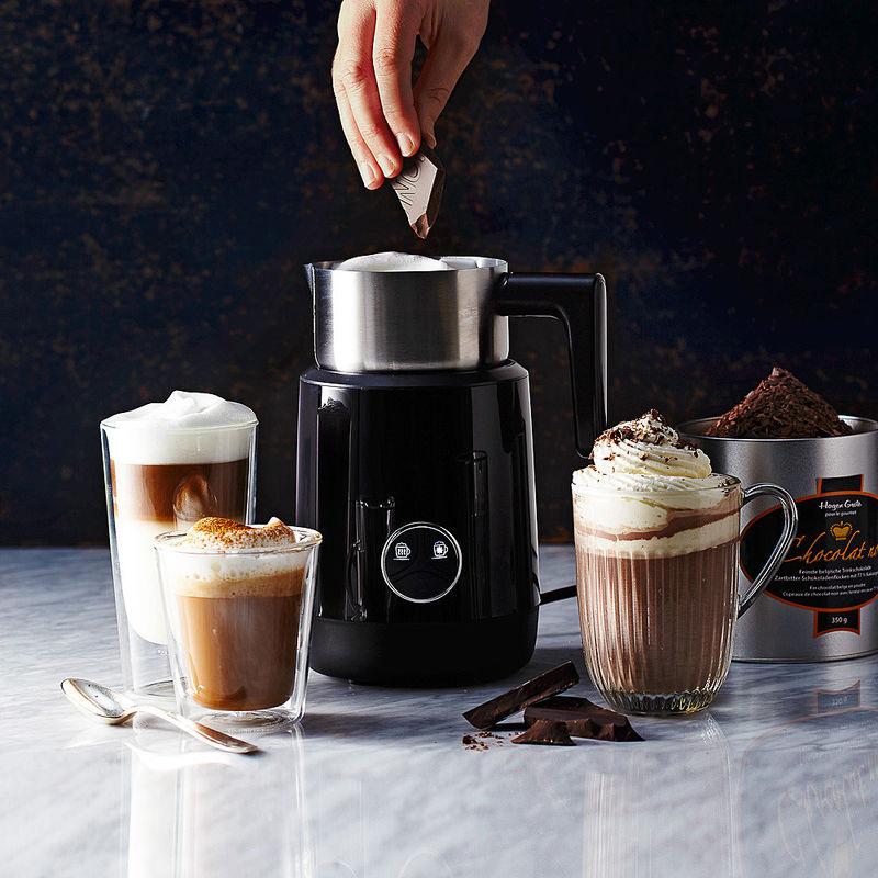 mousseur lait il pr pare la plus fine mousse de lait ou un chocolat chaud en quelques minutes. Black Bedroom Furniture Sets. Home Design Ideas