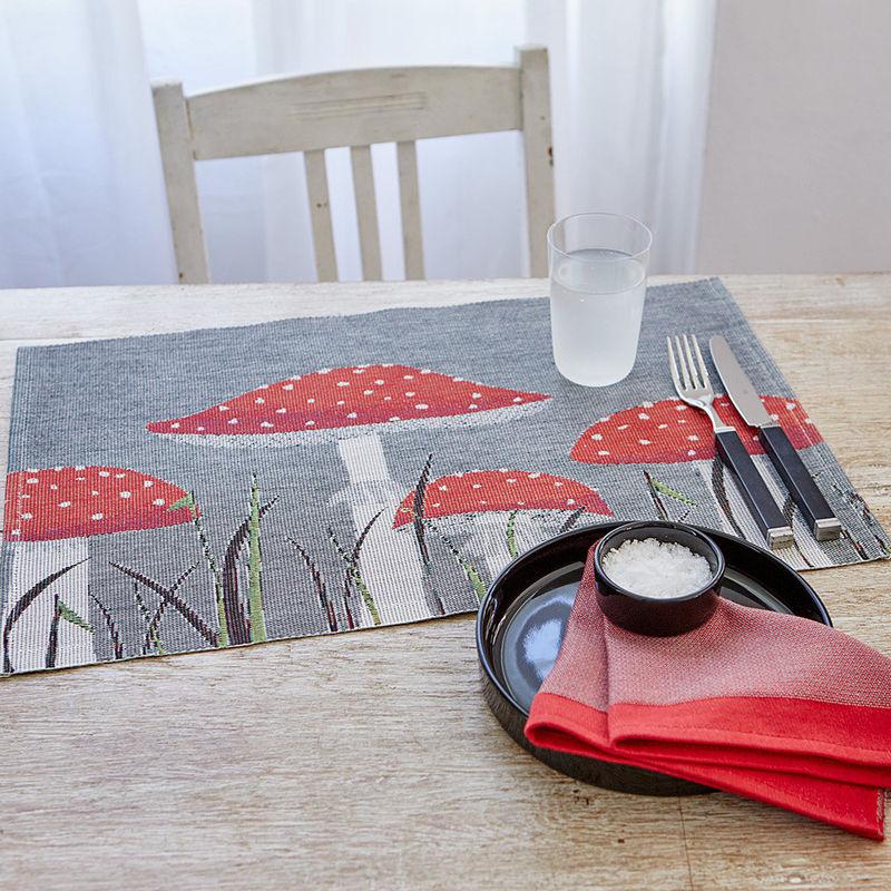 Chemin de table: Les coloris lumineux des champignons invitent l ...