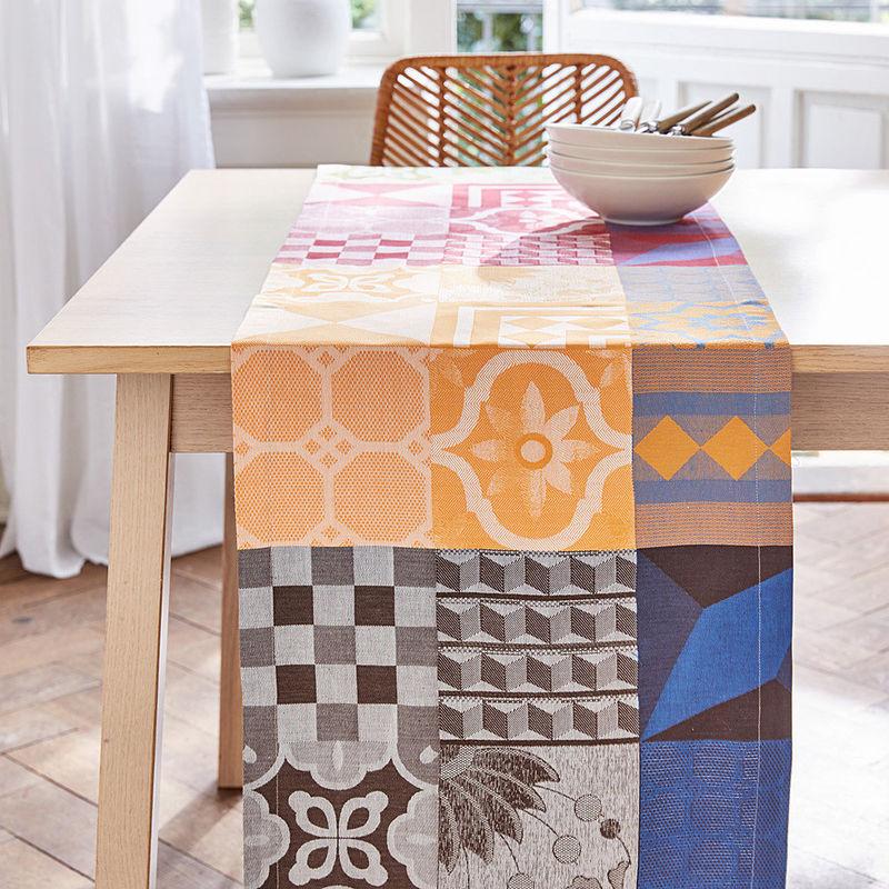 Chemin de table linge de table jacquard italien haut en couleurs style patchwork hagen - Chemin de table en patchwork ...