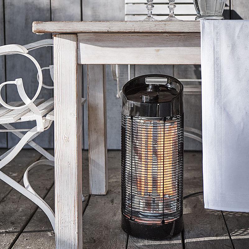 chauffage de terrasse lectrique infrarouge tournant pour une chaleur radiante agr able sur 12. Black Bedroom Furniture Sets. Home Design Ideas
