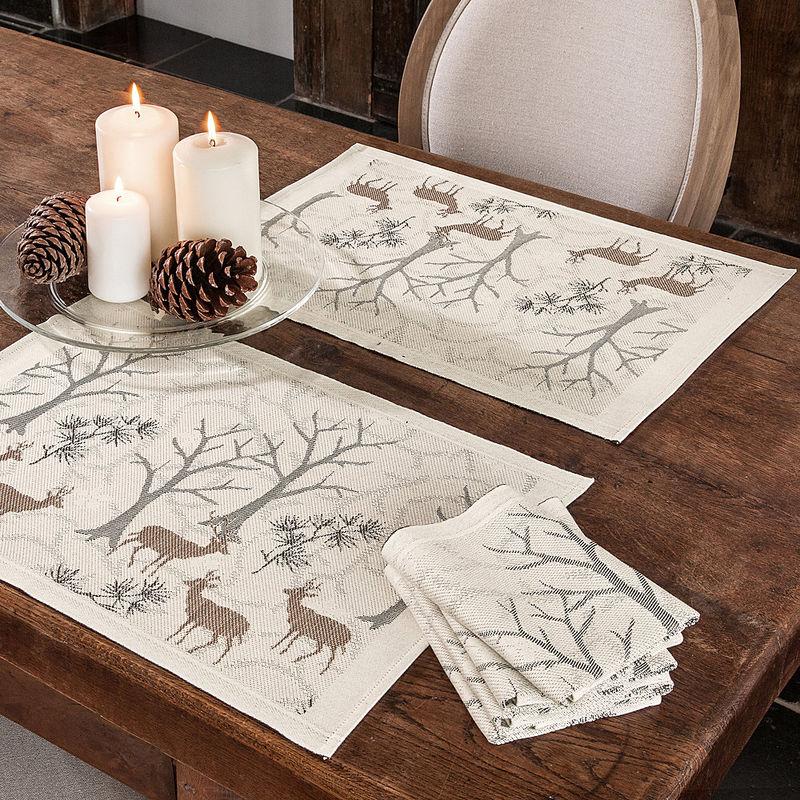 serviettes impressions de for t hivernale sur linge de. Black Bedroom Furniture Sets. Home Design Ideas